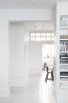 Reform Kitchen / living inspiration / home / Home decor / Interior design / House Design, White Wood Floors, Home, White Floors, White Decor, House Styles, House Interior, White Interior, White Rooms