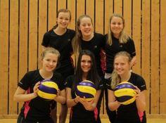 Løkka Sport 2: Thea Gangsø, Natalie Gangsø, Camilla Gangsø, Ingrid Kronstad, Helle Kronstad (kaptein), Helene Almås + Line Aamodt, Lisa Kronstad og Heidi Vedvik