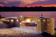 Explore Belgard's fire pit design ideas to find the perfect gathering spot for your family's backyard. Description from pinterest.com. I searched for this on bing.com/images