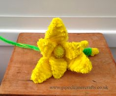 Pipe cleaner flowers from pipecleanercrafts.co.uk