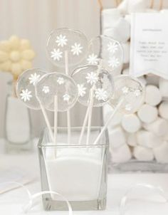 Candybar: All White - weddingstyle.de  Self made lollipops with fondant flowers