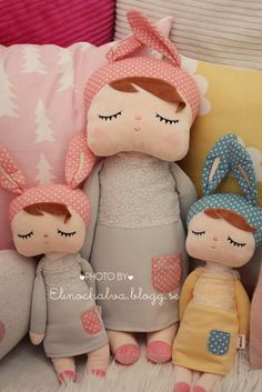 cute softies | elinochalva ~ inspiration for lovely little girls room decor on this blog too.