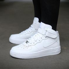 Baby Nike Air Force 1 Shoes White Nike infant shoes boy or g.- Baby Nike Air F. White Nike Shoes, White Nikes, Nike Air White, Moda Sneakers, Sneakers Nike, Air Force Mid, Tenis Nike Air, Nike Shoes Air Force, Nike Air Force High