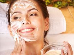 This #facemask reduces redness and tightens the pores of your skin. It brings that glow back in your skin.