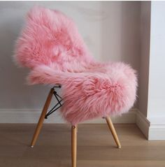 Beautiful baby pink, powder pink, Luxuriously thick and soft fleece large sheepskin Throw Nordic Interior, Home Interior Design, Pink Love, Pretty In Pink, Beautiful Roses, Beautiful Babies, Sheepskin Throw, Modern Area Rugs, Floor Rugs