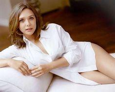 These Elizabeth Olsen pictures are her hottest photos ever. We found sexy images, GIFs (videos,) & wallpapers from various bikini and/or lingerie photo Petite Fashion, Curvy Fashion, Girl Fashion, Style Fashion, Bikini Images, Bikini Pictures, Elizabeth Olsen, Lingerie Photos, Top Celebrities