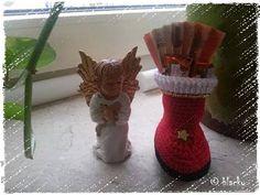Eine kleine süße Geschenk-Verpackung ;-)  Anleitung: https://www.crazypatterns.net/de/items/698/haekelanleitung-liebhab-baer-nikolausstiefel