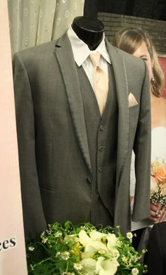 Wedding Tux from Buffalo Floral & Landscaping at the St. Cloud Wedding Expo.