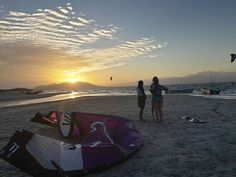 From maaikebelSunset kiting sessions are pretty awesome  #kitesurfing #panama #sunset #newfriends #nofiltersunset,panama,newfriends,kitesurfing,nofilter