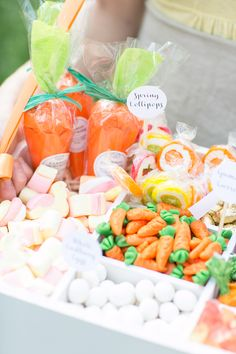 Old-Fashioned Easter Candy Box // Sugar and Charm #Easter