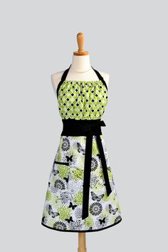 Cute Kitsch Apron  Handmade Modern Design in by CreativeChics, $35.00
