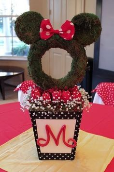 Minnie Mouse topiary centerpiece