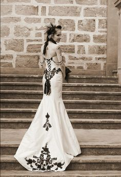Incredible Victorian Gothic mermaid-style corset wedding gown :drool: