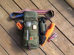 Maxpedition Bottle Holder EDC with Mini Pocket Organizer, Can Pouch, and RollyPoly MM. Bushcraft Kit, Bushcraft Camping, Camping Survival, Outdoor Survival, Survival Prepping, Emergency Preparedness, Survival Gear, Survival Skills, Camping Gear