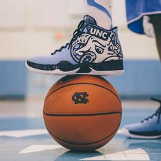 Tomorrow night, the No. 4 seed North Carolina Tar Heels take on No. 1 Wisconsin. And from the looks of things, they'll be laced in some amazing new kicks.