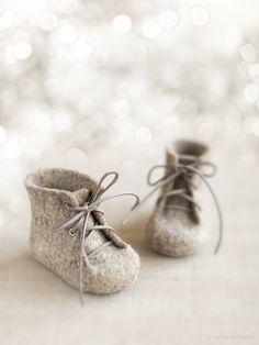 Newborn booties Natural organic wool boots Felted unisex от VART