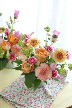 【母の日】小物入れとロマンティカ(その3) Flower note の 花日記 (横浜・上大岡 アレンジメント教室)