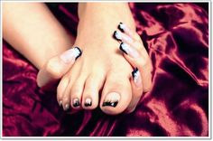 22 Awesome French Tip Nail Designs | AmazingNailArt.org