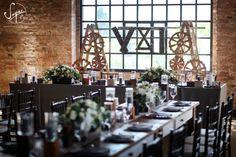 Sugar Flower - esküvői dekoráció | Habosbabos Esküvői Magazin Sugar Flowers, Table Settings, Place Settings, Tablescapes