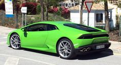 Lamborghini Huracán LP610-4 in Verde Mantis in Pictures and on Video at the Ascari Track - Carscoops