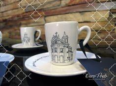 Coleção de xícaras Ouro Preto de Beth Tropia.