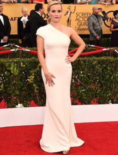 Reese Witherspoon in Armani at the SAG Awards