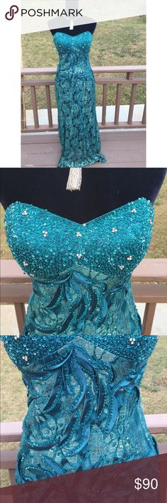Teal prom dress Beautiful teal strapless prom dress dress 👗 only worn 2 times for a few hours, in good condition size 12 Dresses Prom