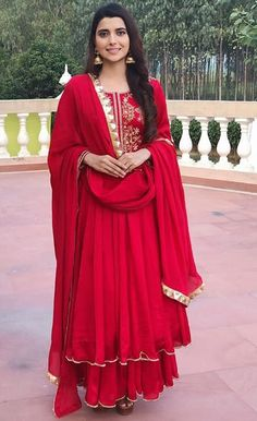 Paired with dupatta and plazo pant. Embellished with hand embroidery work and gota patti. Indian Wedding Outfits, Pakistani Outfits, Indian Outfits, Ethnic Outfits, Trendy Outfits, Designer Party Wear Dresses, Kurti Designs Party Wear, Dress Indian Style, Indian Dresses