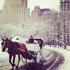 Pinterest: @icristy13 | Cute Winter Date Ideas | Carriage ride