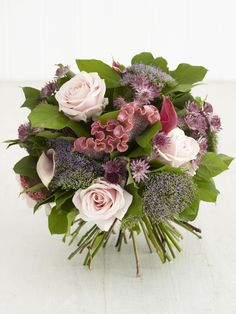 Hand tied bouquet instructions