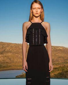 blusa frente unica com babado e bordado Instagram Posts, Black, Dresses, Fashion, Clothes, Halter Tops, Cardigan Sweater Outfit, Line, Weather