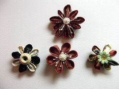 Kanzashi flower magnets................v