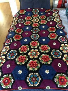 Frida's Flowers Blanket CAL 2016 - Enlarged Version
