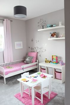 Cute Room Ideas For Young Girls Chambre fillette rose et grise The post Cute Room Ideas For Young Girls appeared first on Toddlers Diy. Baby Bedroom, Girls Bedroom, Bedroom Decor, Bedroom Curtains, Kids Bedroom Ideas For Girls Toddler, Ikea Girls Room, Girls Daybed, Girl Rooms, Trendy Bedroom
