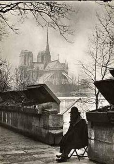 """""""Le Bouquiniste"""", circa 1930. via the Verdeau Photo Collection"""