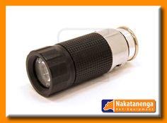 """Klein, hell, stets griffbereit: Die Akku-Lampe in LED Technik für den Zigarettenanzünder ihres Fahrzeugs ist der ideale """"immer-dabei""""-Begleiter für ihren Land Rover Defender!"""