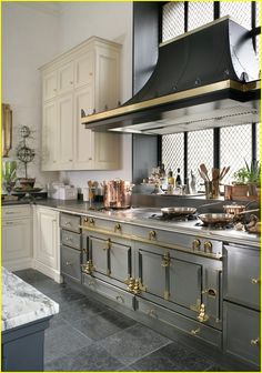 Looking for Kitchen Vent Range Hood Home Design Photos? Here we have 40 different ideas that can help you when designing your new kitchen. There are many different types of vent hoods. Many come in different colors and made of Grey Kitchen Designs, Luxury Kitchen Design, Luxury Kitchens, Interior Design Kitchen, Cool Kitchens, Modern Kitchens, Kitchen Modern, Dream Kitchens, Kitchen Vent