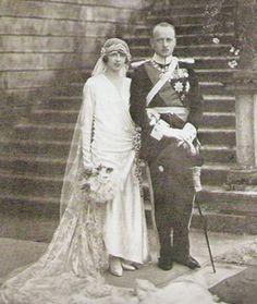 Le 23 septembre 1925à Racconigi, la princesse Mafalda de Savoie, fille du roi Victor Emmanuel III et de la reine Elena d'Italie, épousait le prince Philipp de Hesse, futur landgrave, fils du landgrave Friedrich Karl de Hesse et de la princesse Margarethe de Prusse. Le couple a eu quatre enfants. Déportée à Buchenwald lors de la Deuxième Guerre Mondiale, la princesse Mafalda succomba à ses blessures en août 1944 à l'âge de 41 ans.  (Copyright photo : DR – Article dédié à Luise)