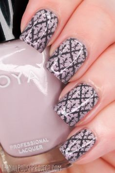 NOTD: Greyed Out Lilac Nails: Messy Mansion plate MM18