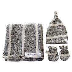 Bret Essential Newborn Bundle (Top Knot Hat)