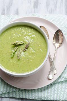 (Creamless) Creamy Asparagus Soup