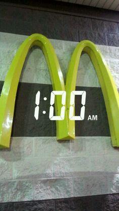 Late night McDonald's stop 🍟 Estilo Grunge, Poses, Hetalia, Statues, Pictures, Inspiration, Photo Ideas, Selfie Ideas, Wallpapers