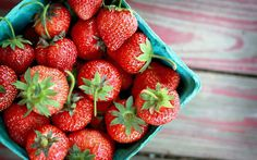 #Strawberries  are low in #calories and rich in #fiber.