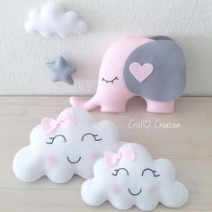 Mom and baby cloud # cloud # elephant # cloud # cushion # cushion # felt # feltro # girl # gro . Cute Pillows, Baby Pillows, Kids Pillows, Baby Crafts, Felt Crafts, Kids Crafts, Diy And Crafts, Baby Mobile, Baby Shawer