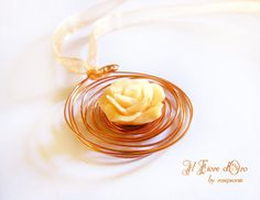 Kiss from a Rose necklace with a bright copper wire by ilFioredOro