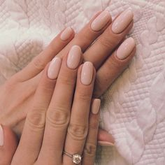 Nail art polonais blush coupe ongle mariée diamants doux - Best Picture For wedding nails for bride For Your Taste You are looking for something, and it is going to Hair And Nails, My Nails, Nail Art Designs, Nails Design, Uñas Fashion, Purple Nail, Pink Oval Nails, Blush Pink Nails, Bride Nails
