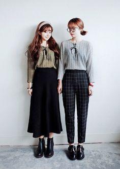 urbanKOREA Fall Fashion Outfits, Modest Fashion, Autumn Fashion, Summer Work Outfits, Simple Outfits, Japanese Street Fashion, Korean Fashion, Long Skirt Outfits, Indie Fashion