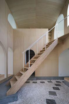 Courtyard in Kudamatsu / Container Design