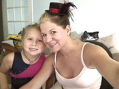 Hat hair clip! #diy http://www.momdot.com/how-to-make-mini-hat-tutorial
