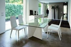 The Rossetto Sapphire is a contemporary Italian Dining Table is made of high quality lacquer veneer. White Dining Room Sets, White Dining Table, Glass Top Dining Table, Country Dining Rooms, Dining Decor, Dining Room Design, Dining Room Furniture, Dining Room Table, Modern Furniture